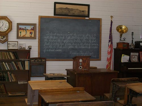 early 20th century classroom photo
