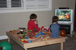 children watching TV photo